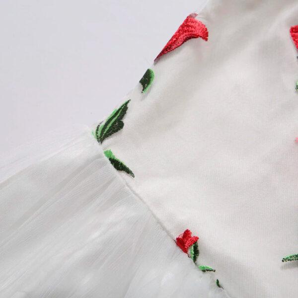 Vestido vintage bordado de flores